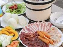 BBQ:牛・豚・鶏・野菜・ソーセージなど盛り沢山♪※追加メニューもございます(有料)