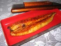 自家製タレが香ばしい鰻の長焼きうなぎ好きの方は是非お試しください。