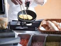 朝食バイキングのオムレツコーナー♪お好きな具材を選んで♪