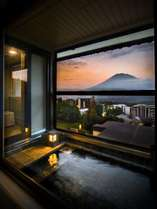 【客室】 ニセコのシンボル羊蹄山が見せてくれたひととき(羊蹄山側からの眺望)