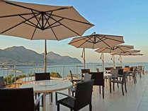 ■レストラン■バルコニーからは瀬戸内のしまなみを見渡せます。夕日に照らされる景色も絶景です