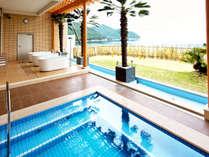 【スパ・ホリズン】洋風に設えた露天風呂からは、リゾート気分で絶景を満喫♪