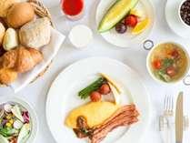 道産食材をふんだんに使った高評価の朝食。出来合いでなく丹精を込めた自家製に拘った自慢の朝食を。