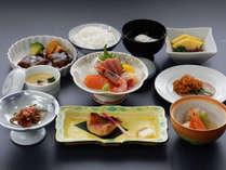 【竹コース一例 2019年春夏】調理長が腕を振るったお食事を心ゆくまでお楽しみください。
