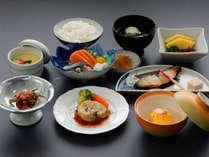 【梅コース一例 2019年春夏】お手頃かつ目にも鮮やかな料理の数々をご賞味ください。