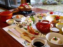 【夕食贅沢三昧プレミアム+部屋食】とろとろ湯をお部屋で独占!内湯付き客室プラン♪