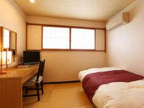 洋室シングルルーム※2020年4月から、兵庫県条例により全室禁煙(喫煙コーナー設置あり