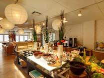 ビュッフェレストラン「旬菜」地元の新鮮なお野菜をふんだんに使用したメニューが豊富。
