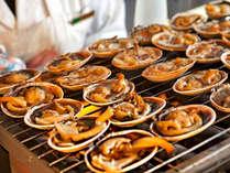一番人気・伊良湖岬名物焼き大あさり。もちろんこちらも食べ放題できてしまいます。