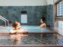 「満月の湯」には露天風呂もあります。(「三日月の湯」と男女日替制になります)