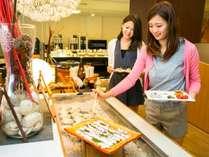 農業王国渥美の獲れたて野菜と新鮮魚介をふんだんに取り入れた和食中心の「旬菜バイキング」
