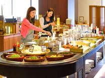 農業王国渥美の獲れたて野菜と新鮮魚介をふんだんに取り入れた和食中心の「旬菜ビュッフェ」