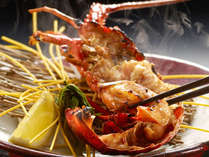 身の旨味と濃厚な海老味噌の妙味が堪らない伊勢海老料理コースの鬼殻焼き