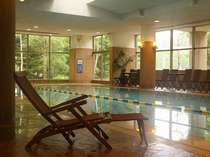 ホテルから徒歩2分 鹿山の湯では温水プールもご用意ございます。