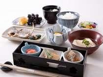 *【和朝食】栄養バランスよい和定食。その他、バイキングでサラダや煮物などもございます♪※イメージ