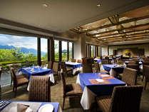 八ヶ岳を望むレストラン「ラコルタ」(ホテルより車で2分)