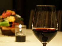 佐内シェフ渾身の料理とワインの香りをお楽しみください。