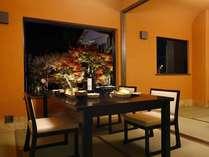 【個室食事処】新設した個室の食事処。露天付き客室ご利用の方は夕・朝食ともこちらでご案内,熊本県,蘇る山と故郷 阿蘇内牧温泉 蘇山郷