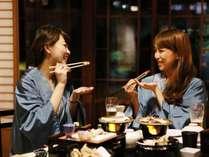 【夕食】旅の最大の山場でもある夕食。楽しい時間をお過ごしください,熊本県,蘇る山と故郷 阿蘇内牧温泉 蘇山郷
