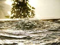 """『南知多温泉』は""""長寿の湯""""、""""美容・美白の湯""""として、旅人に親しまれています。"""