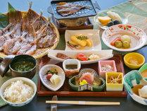 """■ご朝食-和食-■ 知多の恵みが、""""じ~んわりと""""体に染み入るひととき"""