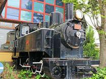 *【外観】廃線となった耶馬渓鉄道の車両の一部は当館にて保存されています。