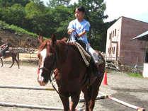 小学生も乗馬できます。
