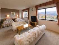 【和洋スイートルーム】客室階最上階の広々72平米。素敵な時間をお過ごしください。
