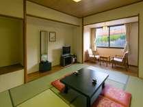 【和室】10畳の和室はご家族連れにおすすめ。