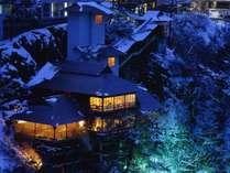 幻想的な夜の大川荘