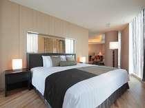 <アークリッシュフロア・1ベッド・コーナーエグゼクティブ>約79平米。当ホテルで一番広いお部屋です。