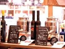 豊市ではオリーブオイルの量り売りも可能、お好みの味を見つけて料理に活かしてください