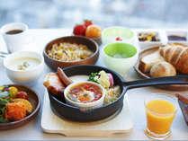 フラメンカエッグ(色とりどり野菜と半熟卵の料理)