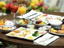日によっては中庭でもご朝食をお召し上がり頂けます(*´ω`*)