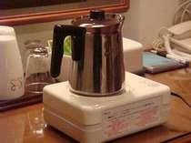 湯沸かし器とポット