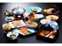 日本海の幸や旬の地元食材を厳選した会席料理