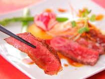信州牛のステーキは、口に入れるとトロけるような柔らかさがたまりません!