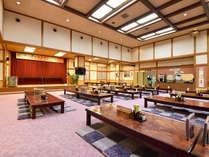 *大食堂「やすらぎの里」ではランチや定食など、手軽にお食事ができます。