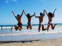 夏ダ~!海ダ~!多々戸浜は白砂で波も高くないので安心。