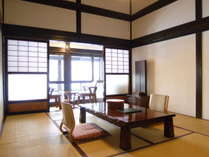 【古民家風離れ】~ツインベッドルームと和室10畳の特別室~