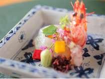 季節の食材を使用した和食会席を。