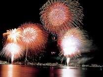 【お部屋で花火鑑賞】8月の毎夜開催!湖上を彩る花火をお部屋でのんびりと★カップルやお子様連れに