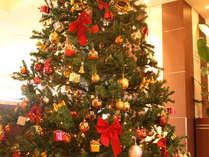 ロビーでは大きなクリスマスツリーがお出迎え☆