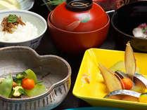 和食料理長が腕を振るう、地物使用の会席料理!