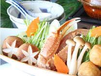 野菜や魚介類等ボリューム満点の鍋を楽しもう!