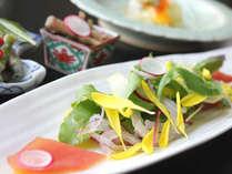 日本料理「竹翠」で季節を感じる和食会席。