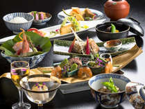 日本料理「竹翠」で、季節を感じる和食会席を。