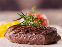 お肉大好きさん必見!牛ロースステーキ食べ放題プラン♪