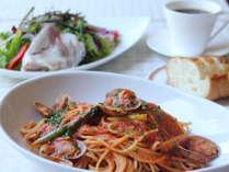 テラスレストラン「ベラヴィスタ」気軽に楽しめるパスタセット。