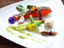 彩り豊かな食材を使用した、前菜の一例